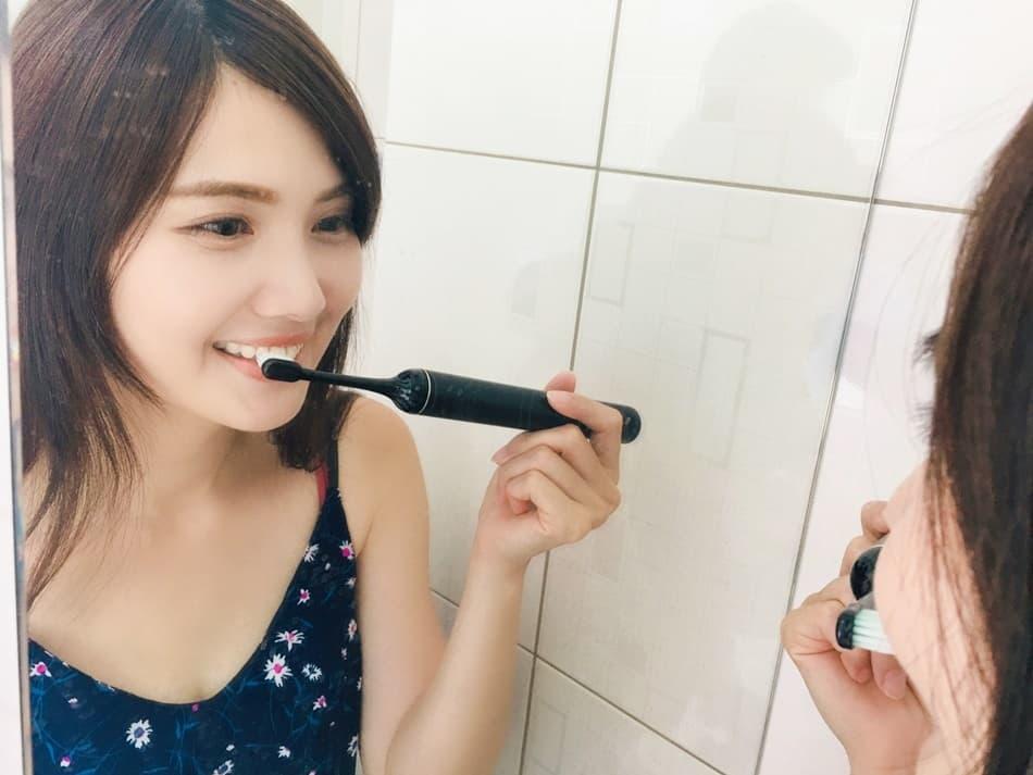 手動歯ブラシと電動歯ブラシ